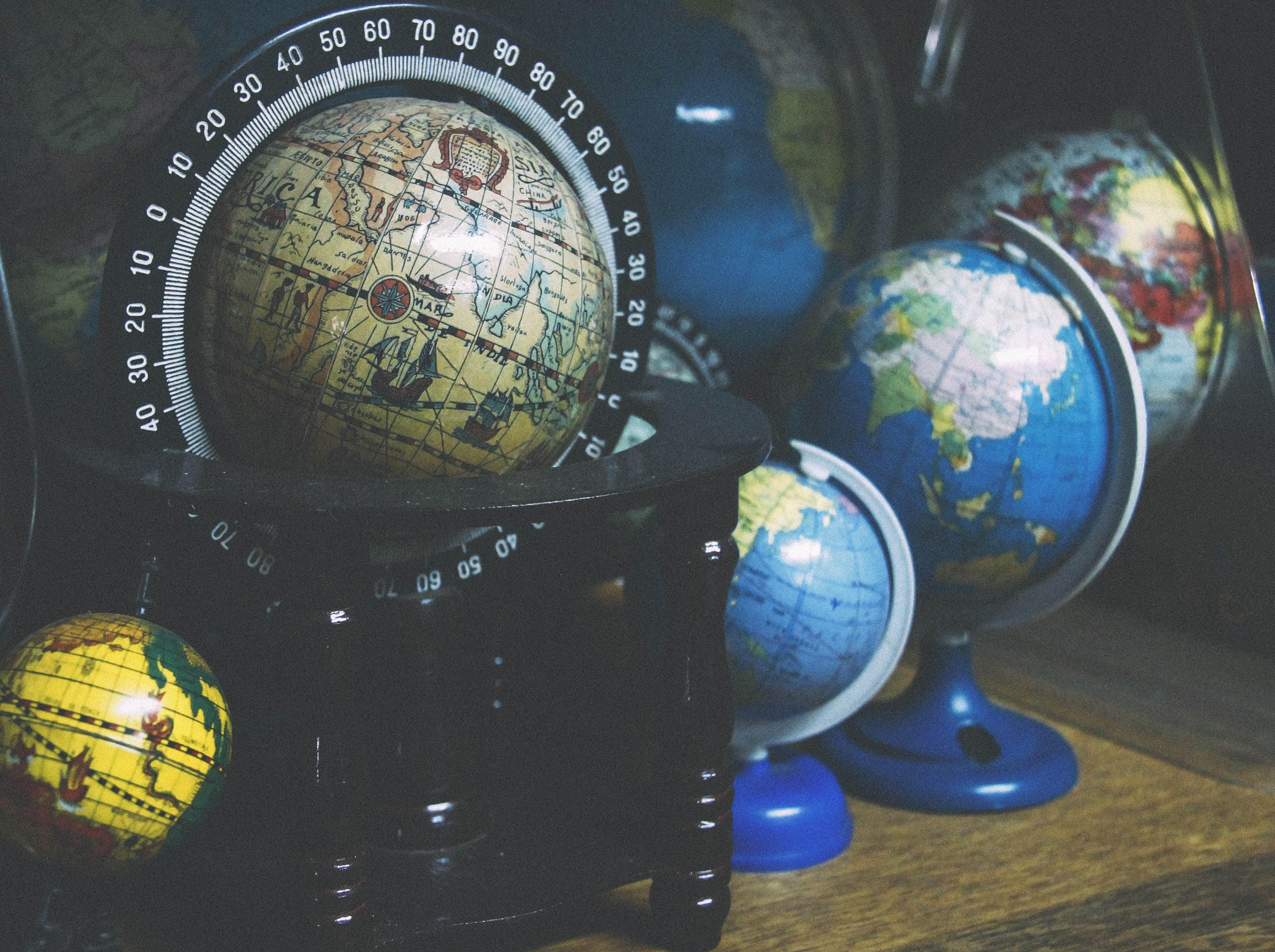 globes bright